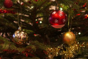 christmas-baubles-1078996_1280