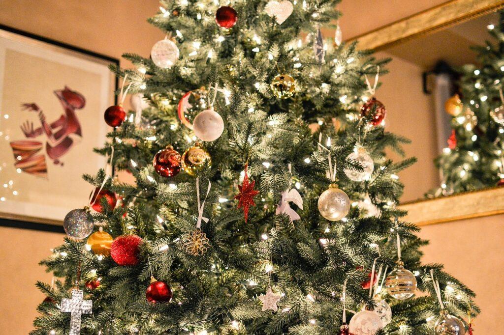 christmas-tree-1081981_1280
